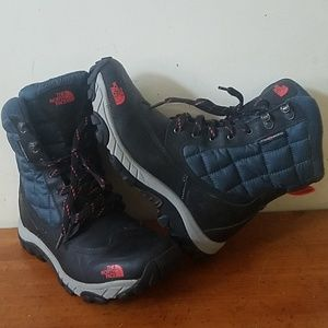The North Face Mens boots